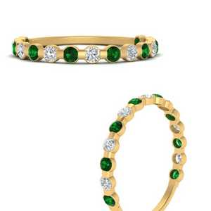 delicate-floating-diamond-wedding-band-with-emerald-in-FDENS3137BGEMGR-ANGLE3-NL-YG