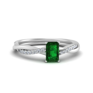 Twisted Emerald Simple Ring