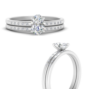 scattered-bezel-oval-shaped-wedding-ring-sets-in-FD9593OVANGLE3-NL-WG