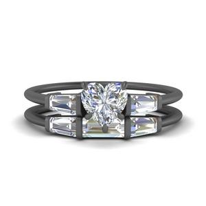 heart-shaped-three-stone-black-gold-baguette-bridal-ring-set-FDENS100HT-NL-BG