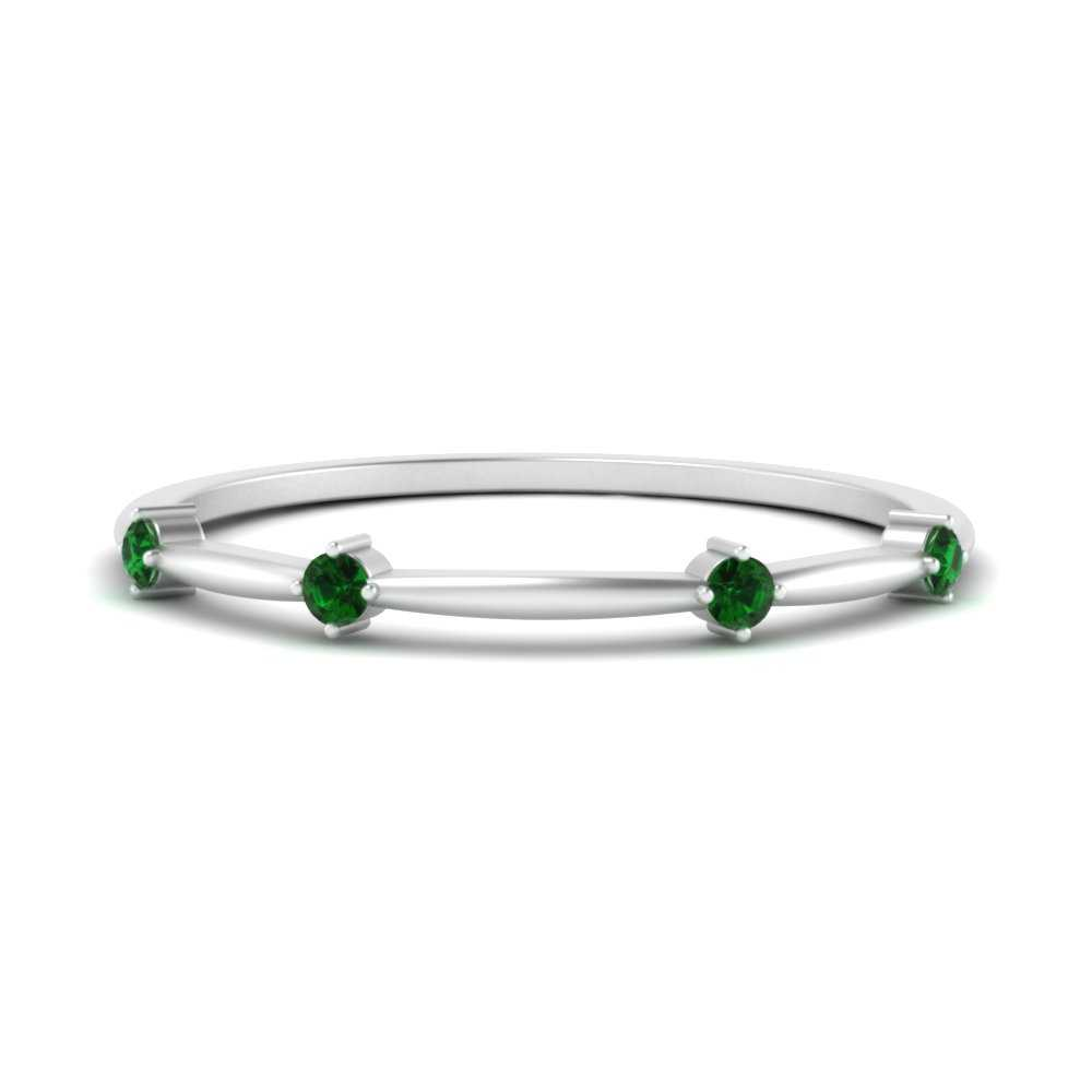 scattered-thin-emerald-wedding-band-in-FD9572BBGEMGR-NL-WG