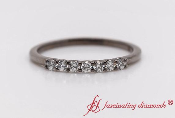 Round Diamond Delicate 7 Stone Band